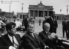 Konrad Adenauer et Willy Brandt en 1963 | Langlois