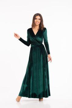 Emerald Green Velvet Dress, Velvet Bridesmaid Dresses, Bride Dresses, Bridesmaid Dresses Long Sleeve, Velvet Dresses, Boho Gown, Long Sleeve Gown, Velvet Dress Long Sleeve, Victorian Dresses