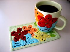 Fabric Postcards and Mug Rugs Patchwork Quilting, Mug Rug Patterns, Quilt Patterns, Placemat Patterns, Small Quilts, Mini Quilts, Quilting Projects, Sewing Projects, Fabric Crafts