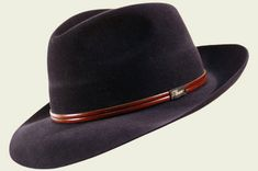 Cappello Sergio  #cappello #hats #hat #accessories #classic #winter #fall #elegant #unisex #style #fashion #black #luxury #red #grey #blue #beige #galles #englishstyle