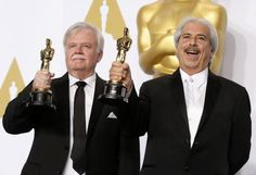"""Oscar 2015: Alan Robert Murray (R) und Bub Asman schnitten den Ton beim Film """"American Sniper"""". Das brachte ihnen einen Oscar ein. Mehr dazu hier: http://www.nachrichten.at/nachrichten/liveticker/Oscar-Liveticker-Birdman-wurde-als-bester-Film-ausgezeichnet;art165616,1657744 (Bild: Lucy Nicholson)"""