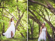 Viime kesän ylioppilaskuvatkin ovat jääneet tänne blogin puolelle päivittelemättä, joten täältä pesee ensimmäiset! Beata ajeli Tampereen su... Graduation Photography, Graduation Photoshoot, Wedding Dresses, Photoshoot Ideas, Student, Woman, Fashion, Pictures, Bride Dresses