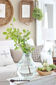 Best Shabby Chic Farmhouse Living Room Decor Ideas 2019 - Home Decoration Styling Shabby Chic Vintage, Shabby Chic Farmhouse, Shabby Chic Decor, Farmhouse Decor, Farmhouse Ideas, White Farmhouse, Living Room Colors, My Living Room, Living Room Decor
