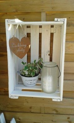 A lot in demand: 13 incredibly great ideas with wooden boxes to try out! - DIY craft ideas - garden decoration - A lot in demand: 13 incredibly great ideas with wooden boxes to try out! Garden Deco, Garden Art, Diy Garden, Home And Garden, Wooden Crates, Wooden Boxes, Garden Projects, Projects To Try, Wood Crafts