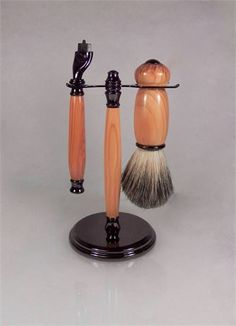 This is a handcrafted shaving set in Drake Yew wood it takes Gillette Mach 3 type razor blades. Great gift idea for Valentines day, Groomsman, Graduation, Birthday, Fathers day, executive or 5th Wood Anniversary. The set is made from Yew with Gunmetal coloured fittings. All the wood in the Drake collection was grown at the family home of Sir Francis Drake, Buckland Abbey. Drake lived there on and off for 14 years and the estate remained in the Drake family for several generations. The wood…
