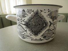 Vintage Finel Pot, Finel Fish Pot, Enamelware Pot, Lidded Pot, Finnish, Kaj Franck, Mid Century, Kitchenware, Black and White