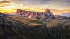 Sunset flying at Mondeval/Dolomites