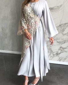 Abaya Fashion, Muslim Fashion, Modest Fashion, Fashion Dresses, Women's Fashion, Modest Dresses, Modest Outfits, Hijab Style Dress, Mode Hijab