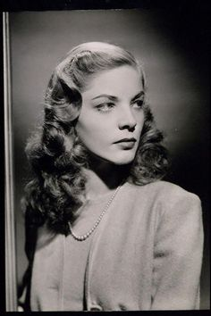 Dedicated to the fierce Lauren Bacall. Old Hollywood Movies, Old Hollywood Stars, Golden Age Of Hollywood, Hollywood Actresses, Classic Hollywood, Actors & Actresses, Vintage Hollywood, Lauren Bacall, Divas