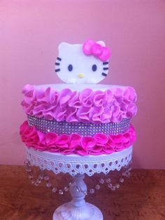 Torta hello kitty con técnica rufle