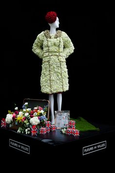 Created by Platinum Floral Designs for The Fairmont Empress Mannequin.