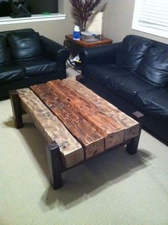 Homeowners looking to add some vintage appeal to their interior decor are in luck, because these rustic wood table pieces has everything you need to add that old school charm to your home. Metal Furniture, Industrial Furniture, Pallet Furniture, Furniture Projects, Rustic Furniture, Home Projects, Furniture Design, Luxury Furniture, Man Cave Furniture