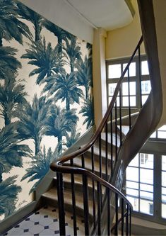 ☝☟escadas - New Pierre Frey Mauritius wallpaper at their Paris offices Fabric Wallpaper, Wall Wallpaper, Mauritius, Most Beautiful Wallpaper, Stairway To Heaven, Wall Treatments, Stairways, Home, Tropical Prints