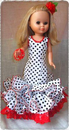 Lo prometido es deuda .flamenca...jejejeje..... aquí tenéis chicas los patrones y la explicación del traje de flamenca ,es muy muy sencillito , las ...