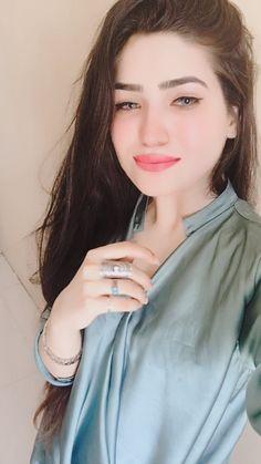 ÂNGÊL SÂRÛ♥️#..ÂJ..# Beautiful Girl Photo, Beautiful Hijab, Beautiful Long Hair, Beautiful Eyes, Cute Girl Poses, Girl Photo Poses, Girl Photos, Attractive Girls, Stylish Girl Images