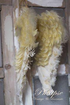 DIY Feather Angel Wings | Feather wings - /melalee13/wings/   23 pins