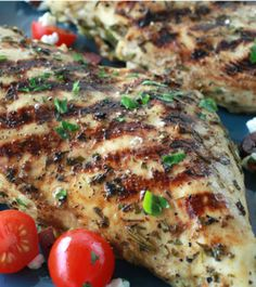 Tired of your chicken dinner turning out too dry? This Greek marinated grilled chicken recipe is simple to put together, juicy and absolutely delicious! - Everyday Dishes & DIY
