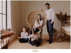 Family Portrait Photography, Family Portraits, Hanging Chair, Straw Bag, Creative, Decor, Fashion, Family Posing, Moda