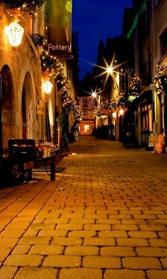 Kerwans Lane decorated with Christmas lights, Galway, Ireland