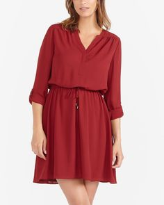 Long Sleeve Dress Canadian Clothing, Dinner With Friends, Look Chic, Wrap Dress, Long Sleeve, Fabric, Sleeves, How To Wear, Clothes