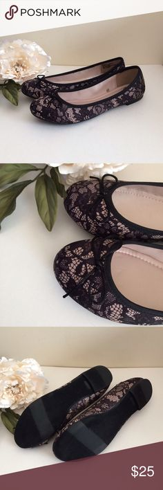 ✨NEW✨Black Lace Pattern Ballet Flats Women's Size8 Brand New With STORE TAG (Never Worn) Black Lace Pattern with Cut Bow Detail Ballet Flats. WOMEN'S SIZE 8. Does not come with box or anything else. Shoes Flats & Loafers