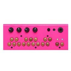 Critter & Guitari: Bolsa Bass handmade synthesizer