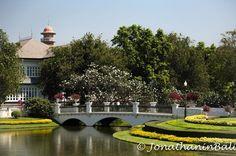 Ayutthaya Historical Park Ayutthaya Thailand  For the ebook The Bangkok Story an Historical Guide to the Most Exciting City in the World - go to http://ift.tt/2kq9do7  #aroundtheworld #worldtraveler #jonathaninbali #www.murnis.com #travelphotography #traveler #lonelyplanet #travel #travelingram #travels #travelling #traveling #instatravel #asian #photo #photograph #outdoor #travelphoto #exploretocreate #createexplore #exploringtheglobe #theglobewanderer #mytinyatlas #planetdiscovery…