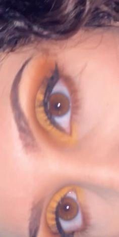 Honey Eyes Color, Amber Eyes Color, Eye Color, Lip Colors, Aesthetic Eyes, Aesthetic Movies, Cute Girl Face, Cute Girl Photo, Beginners Eye Makeup