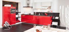 Welkom bij Keukenkampioen, bekijk hier één van onze prachtige Steinhaus keukens. Dit is de Steinhaus Plus Sedna rode hoogglans keuken. Uiteraard ook in één van onze Keukenwinkels te bezichtigen.