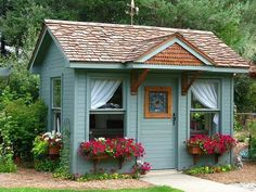 Vintage Garden Shed~But would make a perfect small house! Tiny House Movement, Garden Cottage, Home And Garden, Cottage House, Petits Cottages, Backyard Sheds, Garden Sheds, Outdoor Sheds, Backyard Retreat