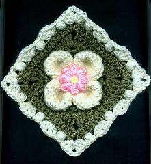 Petal Puffs Motif: Flower Version by Carol Alexander  free