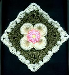 Petal Puffs Motif: Flower Version by Carol Alexander  free