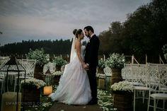 {Casamento} Rafaela ♥ Matheus – Casamento em Alfenas, MG #wedding #casamento #bodas #noivos #bride #lookslikefilm #portra