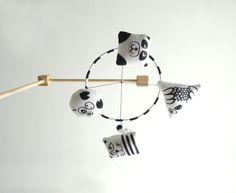 Móvil de Estimulación Visual  Acromático por Gabi Panasiti para María Gabriela
