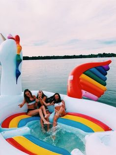 summer goals pool 25 Things to Do Yet This Summer If Youre Bored - Design amp; Bff Pics, Photos Bff, Cute Friend Pictures, Best Friend Pictures, Friend Pics, Summer Goals, Summer Fun, Winter Fun, Fun Sleepover Ideas