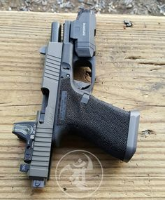 Machine Glock. @innovativegfsolutions @inforce01 @trijicon @s3fsolutions #alexandryandesign Alexandryandesign.com