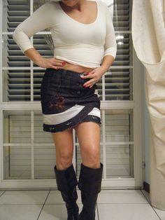 minigonna in tela jeans con applicazioni in raso e passamaneria