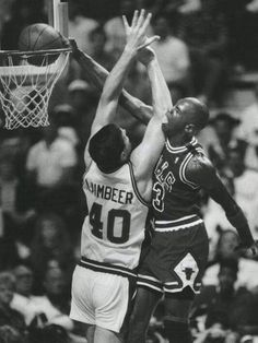 Michael Jordan dunking on Bill Lambier