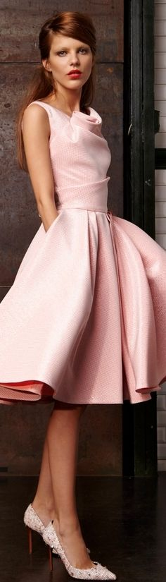 Talbot Runhof S/S 2015. Pink dress, so pretty!