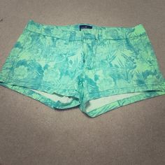 American Eagle 'Shortie' Floral Shorts Like new, worn once! Mint green with floral pattern..perfect colors for the season! American Eagle Outfitters Shorts Jean Shorts