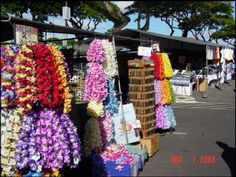 The Aloha Stadium Swap Meet: Best Place to find reasonably priced Hawaii souvenirs.