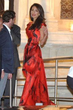 amal-alamuddin-scarlet-dress-george-clooney-wedding-ffn-ftr