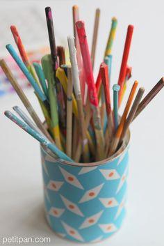 utile et beau à la fois  une boîte tapissée avec une chute de papier peint  Petit Pan Pépin bleu 88fa98f5de93f