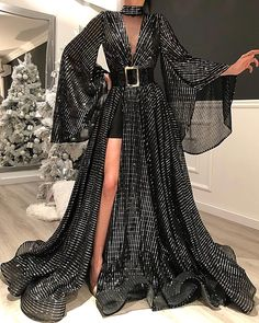Style Evening Dresses Source by dresses glamour Evening Dresses, Prom Dresses, Formal Dresses, Silver Evening Gowns, Wedding Dresses, Mermaid Dresses, Summer Dresses, Sexy Dresses, Casual Dresses