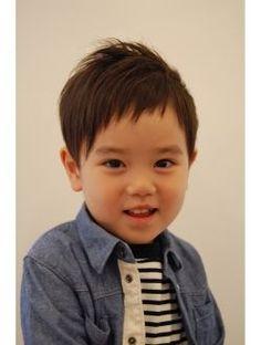 グロウズーム(grow zoom.)リュウガ Straight Hairstyles, Cool Hairstyles, Little Boy Hairstyles, Kids Cuts, Kids And Parenting, Boy Fashion, Little Boys, Hair Makeup, Hair Cuts