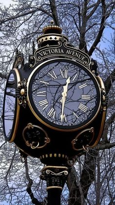 Challenge yourself with this THEME ~ Time Pieces ~~ Street Clock ~ Newport, RI . Gorgeous full size jigsaw puzzle for free. Outdoor Clock, Big Clocks, Foto Poster, As Time Goes By, Antique Clocks, Vintage Clocks, Time Clock, Grandfather Clock, Ticks