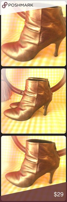 Charles Davis booties. 50% off! FINAL SALE! Gently used. 100% leather. Size 40. Check my other listings! Charles David Shoes Ankle Boots & Booties