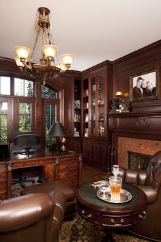 beautiful traditional home office homeoffices traditionalhomeoffice homechanneltvcom home offices libraries craft rooms pinterest houzz