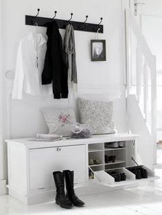 New Ikea Storage Living Room Hallways Ideas House Entrance, Entrance Hall, Hallway Inspiration, Interior Inspiration, Decoration Hall, Hallway Storage, Entryway Bench, Door Entryway, Shoe Cabinet