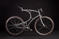 Vom Laufrad zum Lifestyle-Objekt: Am Internationalen Tag des Fahrrads dreht sich heute alles um den stylischen Drahtesel.  Zunehmend mit von der Partie ist Edelstahl Rostfrei mit Qualitätssiegel. © WZV / Vanhulsteijn bicycles